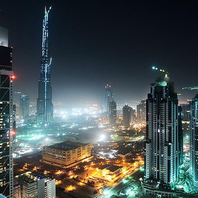 Thị trường Dubai giảm điểm sâu bởi hiệu ứng từ Mỹ