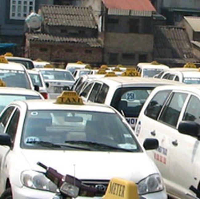 Từ 1/3, ngừng cấp phép mới đối với hoạt động taxi