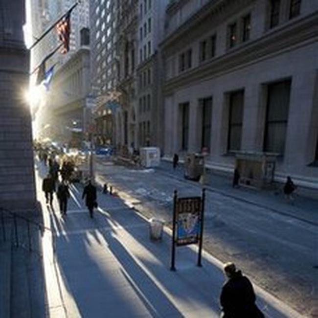 Bất ổn trên thị trường chứng khoán Mỹ lên mạnh