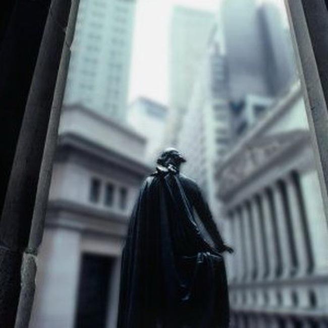 S&P 500 rơi xuống mức thấp nhất trong 3 tháng