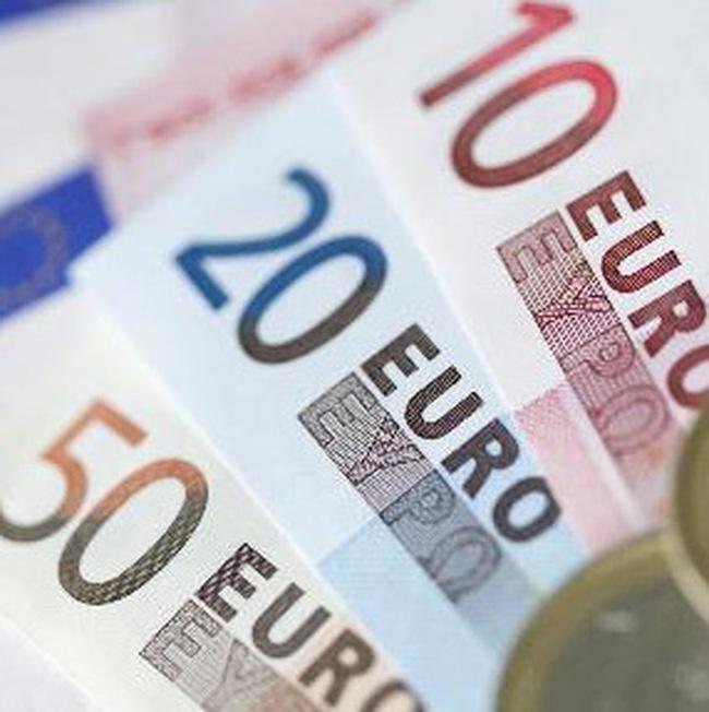 Đồng euro rớt xuống thấp nhất trong 1 năm