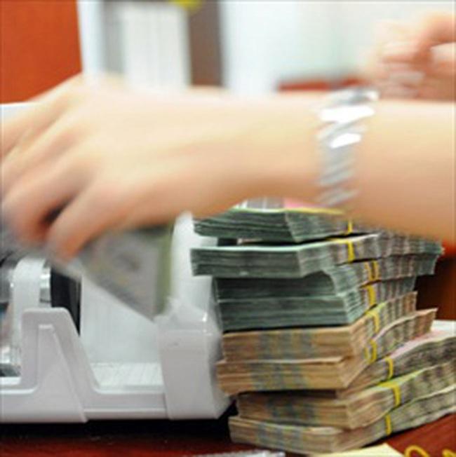 """Ngân hàng Nhà nước """"bơm"""" tiền, """"cứu"""" thanh khoản"""