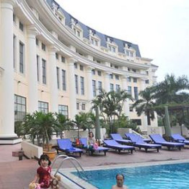 Khách sạn, resort thẳng tay 'chém' khách chơi Tết