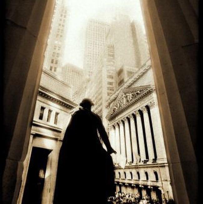 Dow Jones mất mốc 10 nghìn điểm lần đầu trong 3 tháng