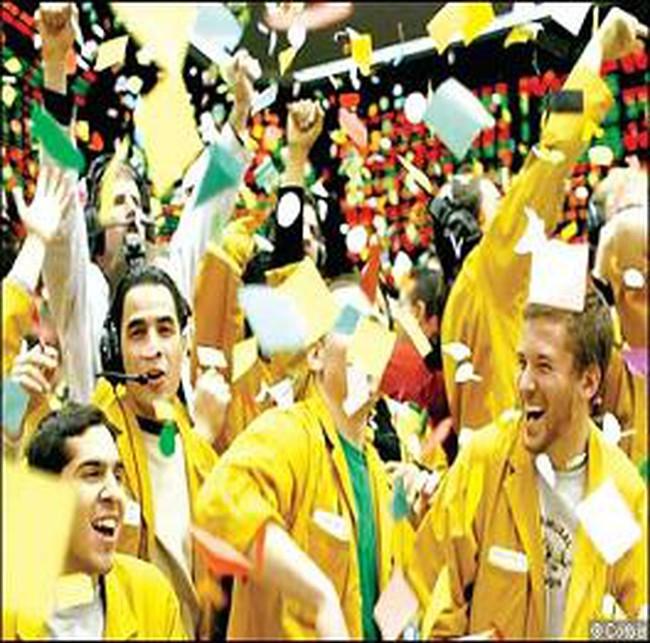 Dow Jones lấy lại mốc 10 nghìn điểm khi châu Âu cứu Hy Lạp