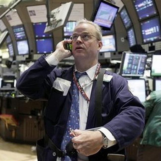 Dow Jones tăng hơn 100 điểm khi Hy Lạp được cứu