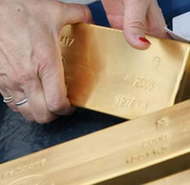 Giá vàng tăng mạnh nhất trong ba tháng qua