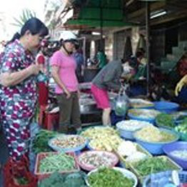 Giá thực phẩm, dịch vụ ăn uống bắt đầu hạ nhiệt