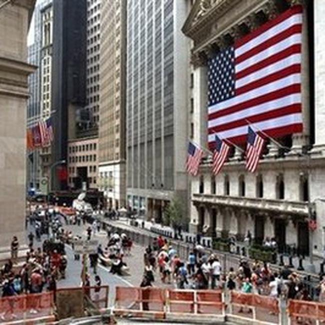 Bất ổn trên thị trường chứng khoán Mỹ trong xu thế giảm