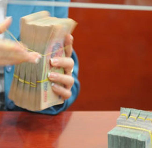 Tiếp tục duy trì lãi suất cơ bản bằng đồng Việt Nam ở mức 8%/năm