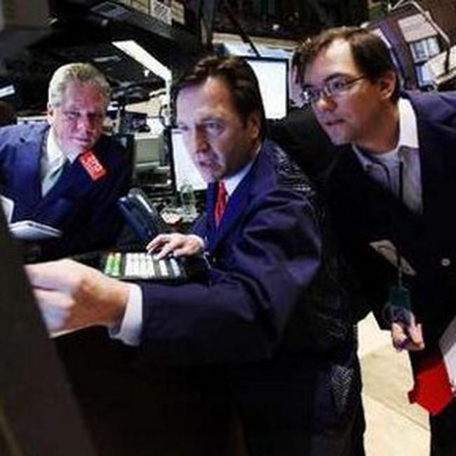 Dow Jones thất bại vượt ngưỡng 11.000 điểm