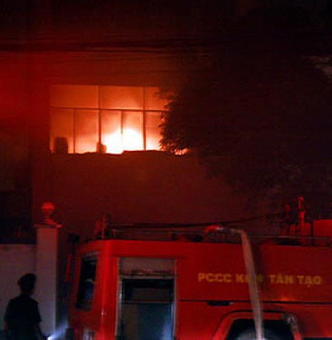Cháy một nhà máy trong KCN Tân Tạo
