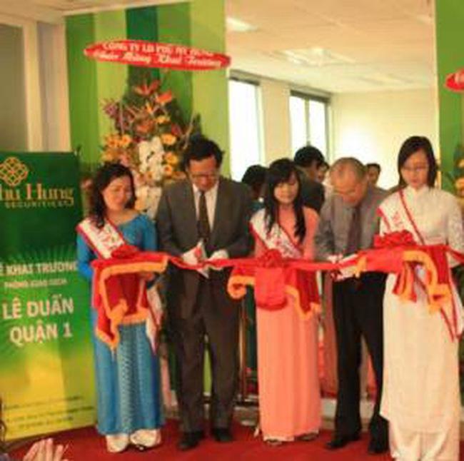 Chứng khoán Phú Hưng đăng ký niêm yết 30 triệu cổ phiếu tại HNX