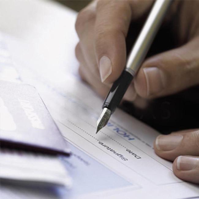 UBCK xử phạt vi phạm hàng loạt cá nhân vi phạm công bố thông tin giao dịch chứng khóan