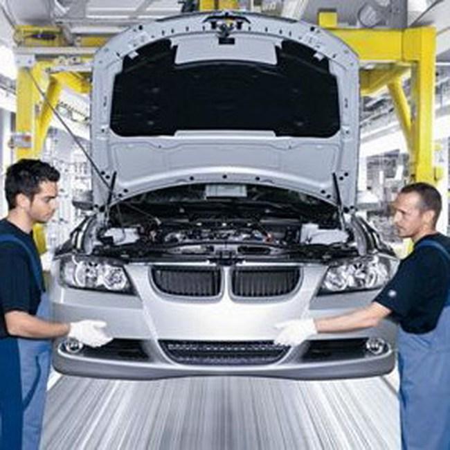 BMW tạm ngừng sản xuất tại Đức