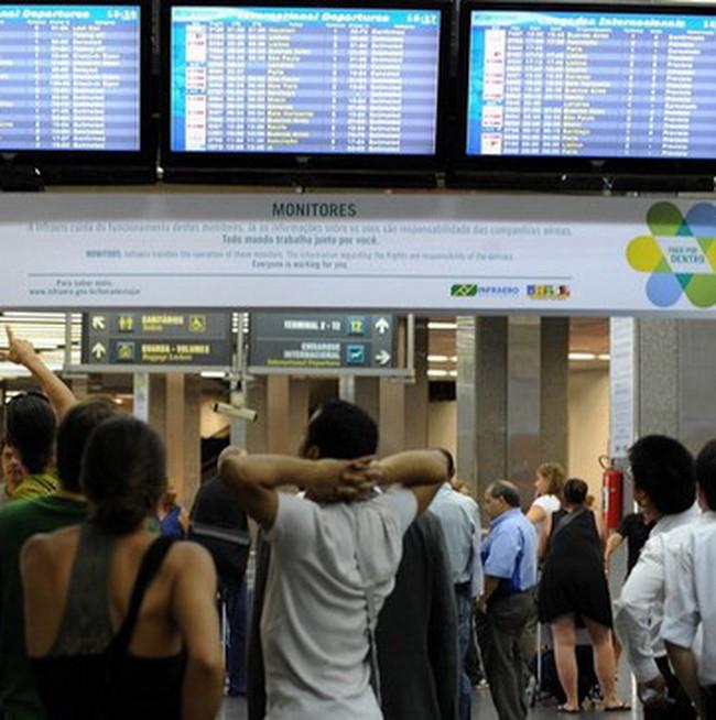 Sân bay châu Âu hoạt động trở lại sau thời kỳ đóng cửa vì tro bụi khủng khiếp