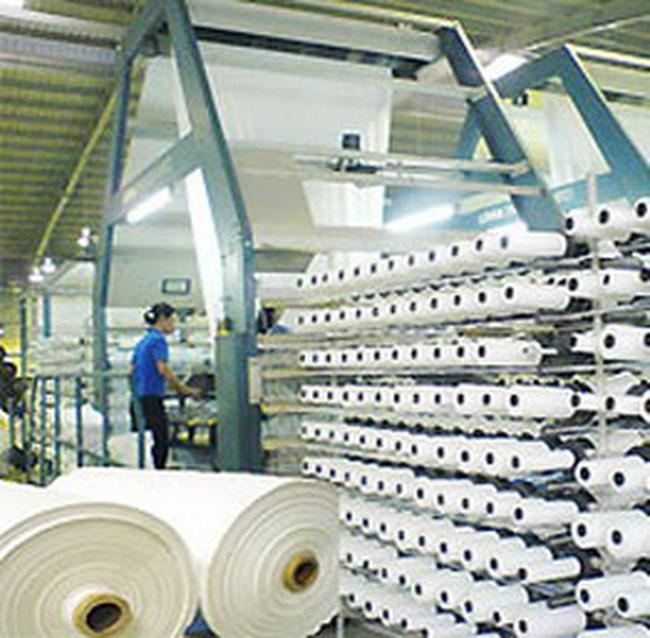 """Công nghiệp chế biến cao su, dệt: """"sốt ruột"""" vì nguyên liệu"""