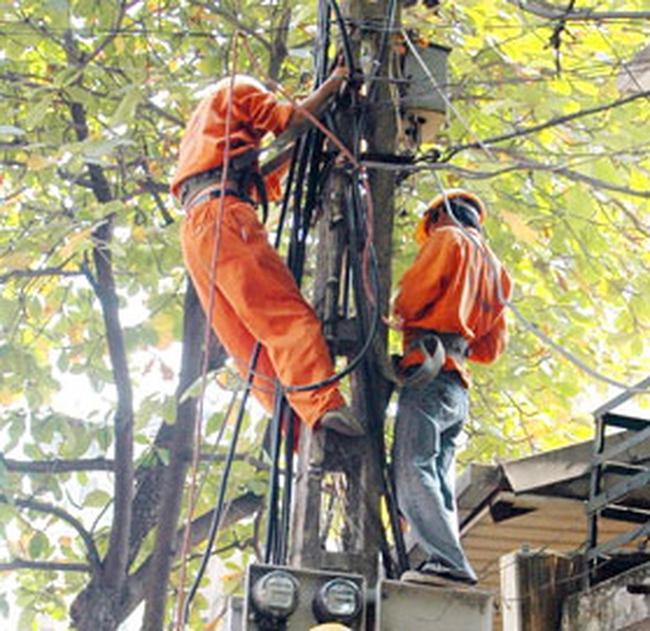 Doanh nghiệp mất hàng tỷ đồng vì điện cắt liên miên