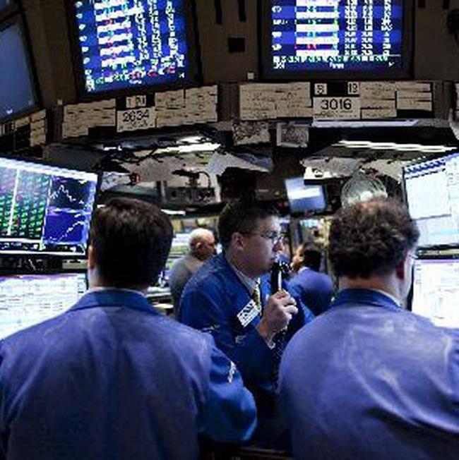 Dow Jones vượt ngưỡng quan trọng