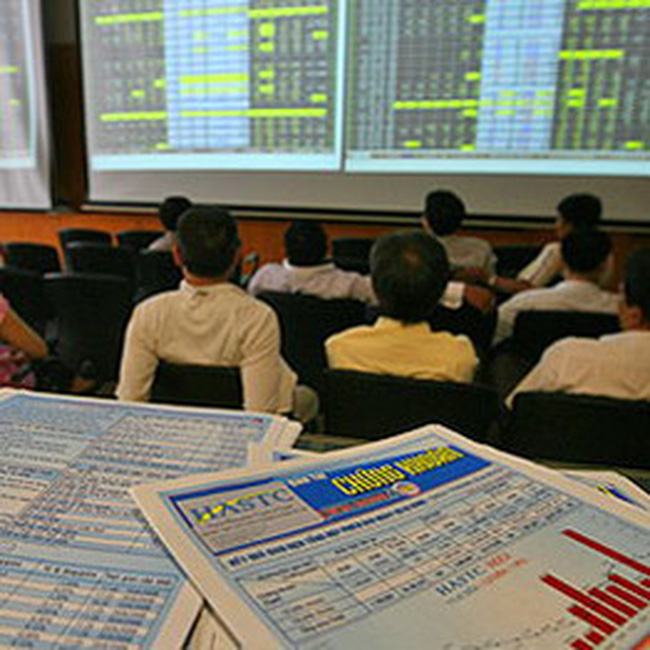 VN-Index chính thức vượt ngưỡng 530 điểm, HNX-Index giảm 1.32%