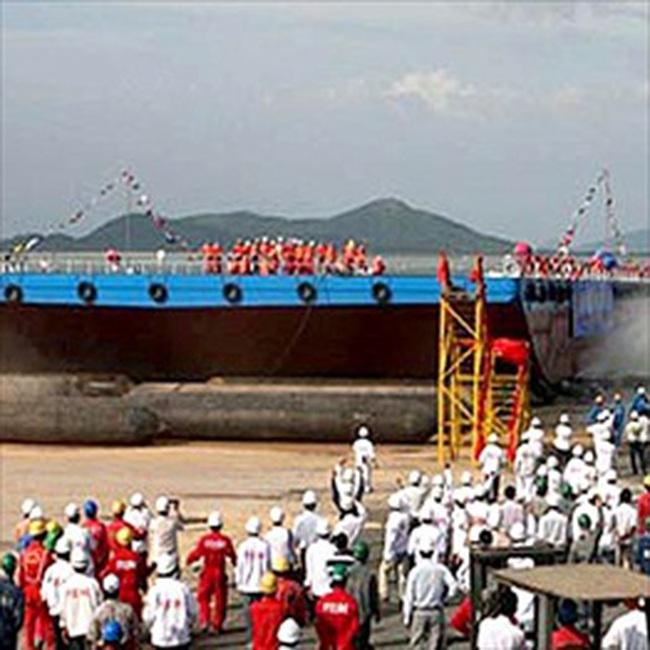 Nam Triệu bàn giao kho nổi chứa xuất dầu lớn nhất do Việt Nam đóng mới cho PVS