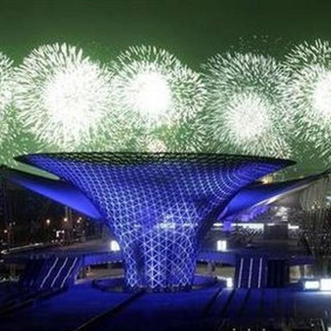 Hàng trăm nghìn người đổ về World Expo đắt nhất lịch sử