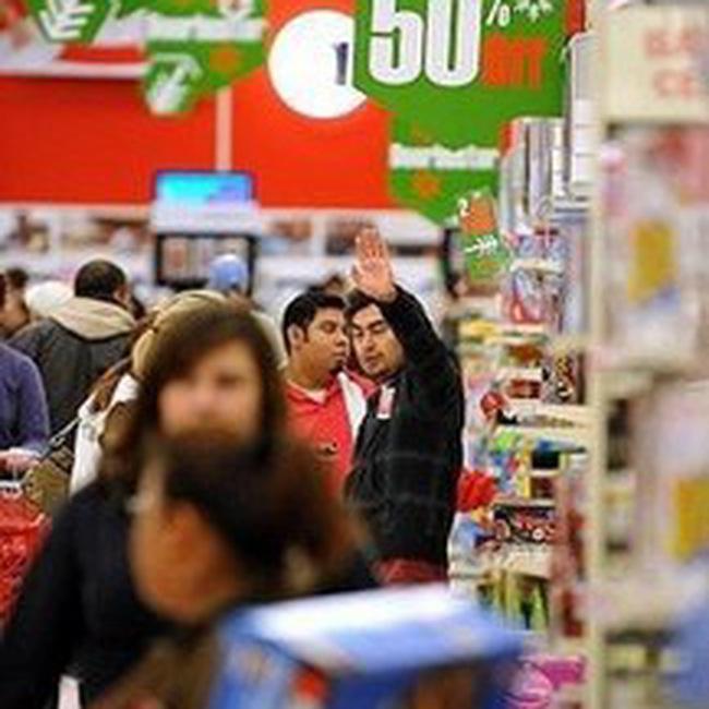Tiêu dùng và thu nhập người Mỹ tháng 3 tăng mạnh