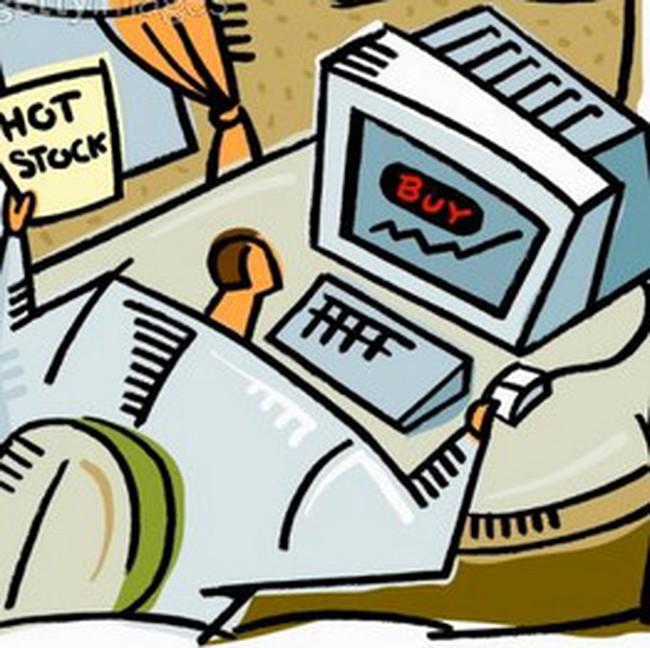 Khối ngoại giảm mạnh mua ròng tại HoSE, bán ròng tại HNX