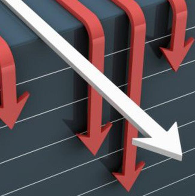"""Hai sàn giảm điểm nhẹ, cổ phiếu nhỏ tiếp tục """"tạo sóng"""""""