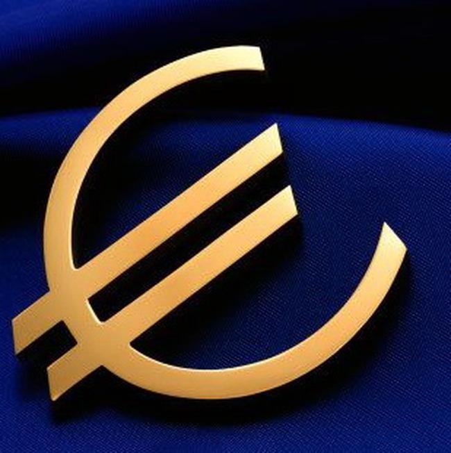 Đồng euro rớt xuống sát mức thấp nhất trong 4 năm