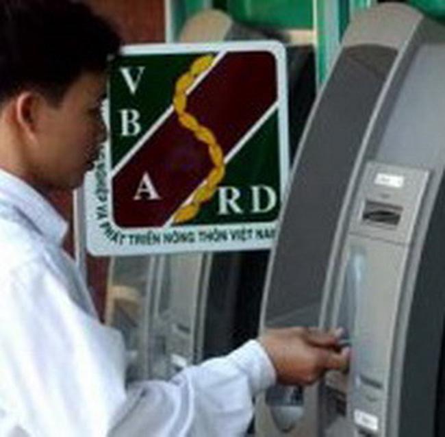 Đằng sau 'ngôi vương' mới về thẻ ATM của Agribank