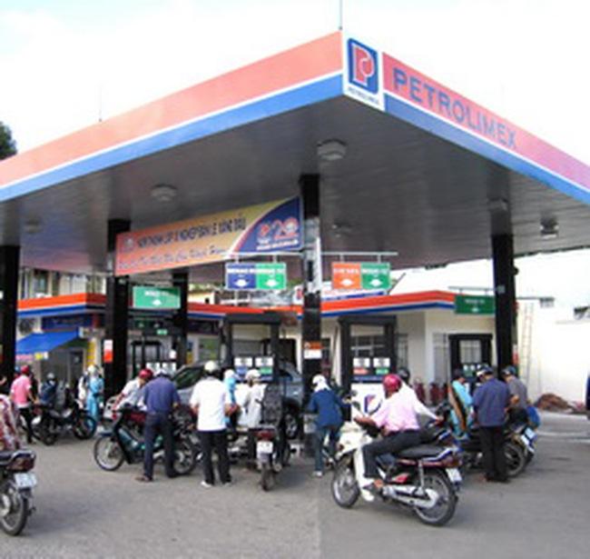 Giá xăng khó giảm