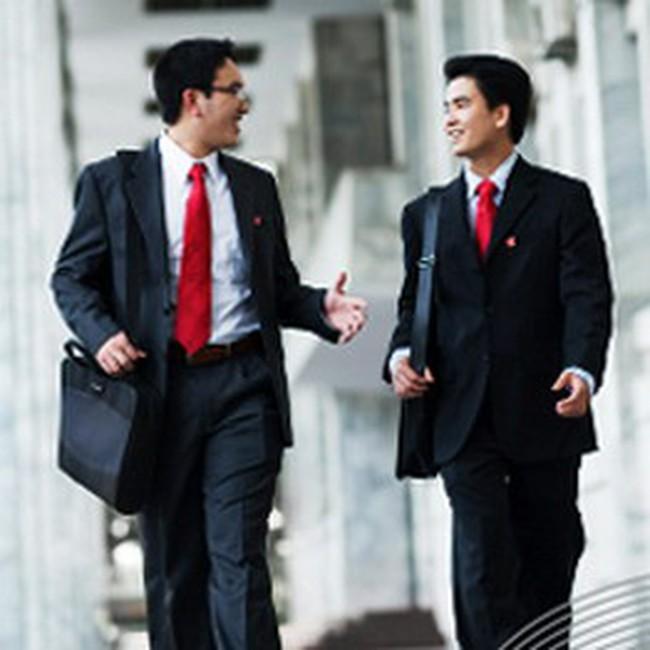 """Hội thảo """"Chinh phục nhà tuyển dụng ngành tài chính"""" tại Đại học KTQD"""