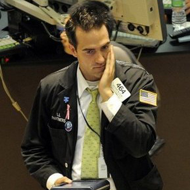 Dow Jones mất mốc 10 nghìn điểm
