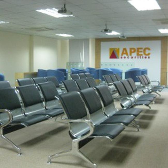APEC: Chính thức được UBCKNN cho phép cung cấp Dịch vụ giao dịch chứng khoán trực tuyến.