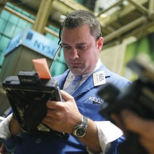 Giảm hơn 870 điểm, Dow Jones có tháng 5 tệ hại nhất trong 60 năm