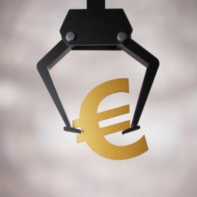 Cổ phiếu ngân hàng bị bán mạnh, TTCK châu Âu mất điểm