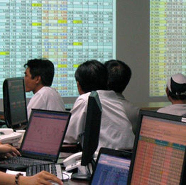 Giao dịch cổ phiếu quỹ sôi động