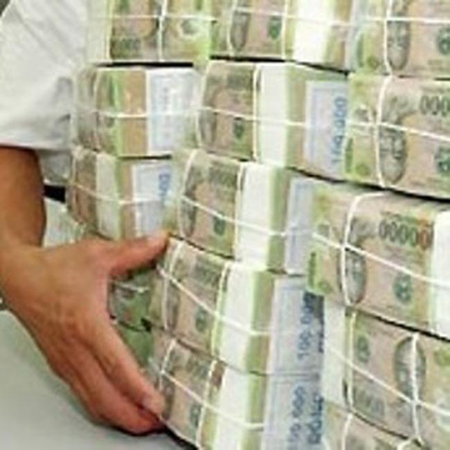 Doanh số giao dịch VND liên ngân hàng tăng đột biến