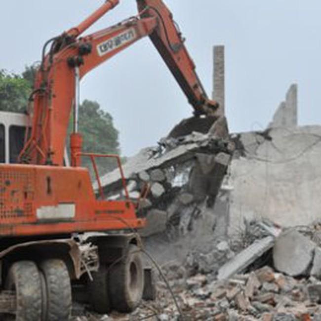 Cưỡng chế giải phóng mặt bằng các công trình cản trở dự án đường Láng - Hòa Lạc