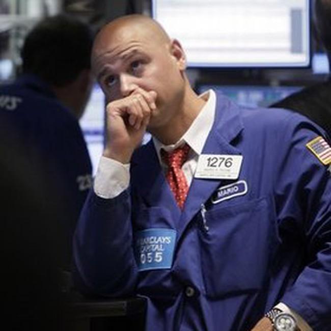 Dow Jones xuống sâu trong 45 phút giao dịch cuối