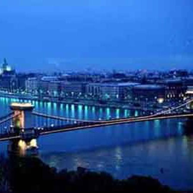 Chính phủ Hungary công bố cải tổ hệ thống thuế và giảm chi tiêu