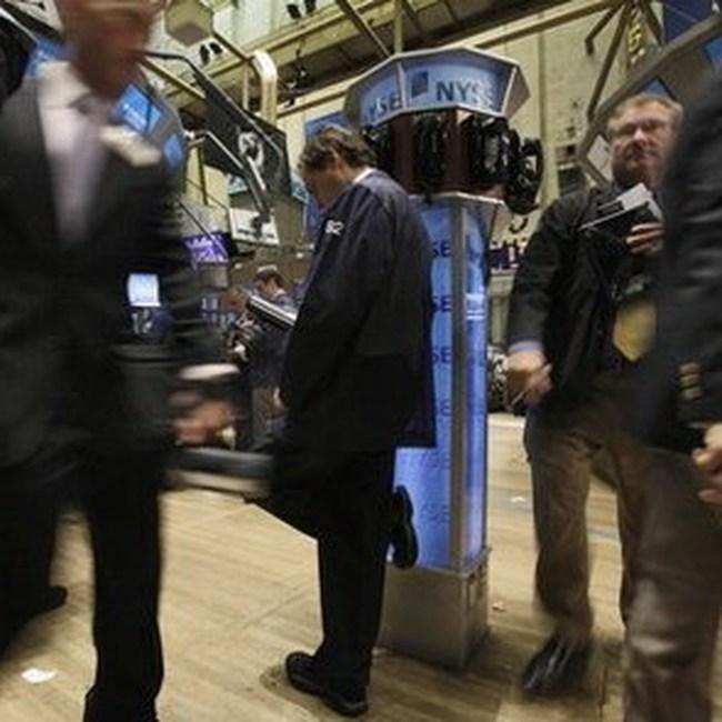 """""""Nhảy vọt"""" trong giờ giao dịch cuối, Dow Jones tăng 123 điểm"""