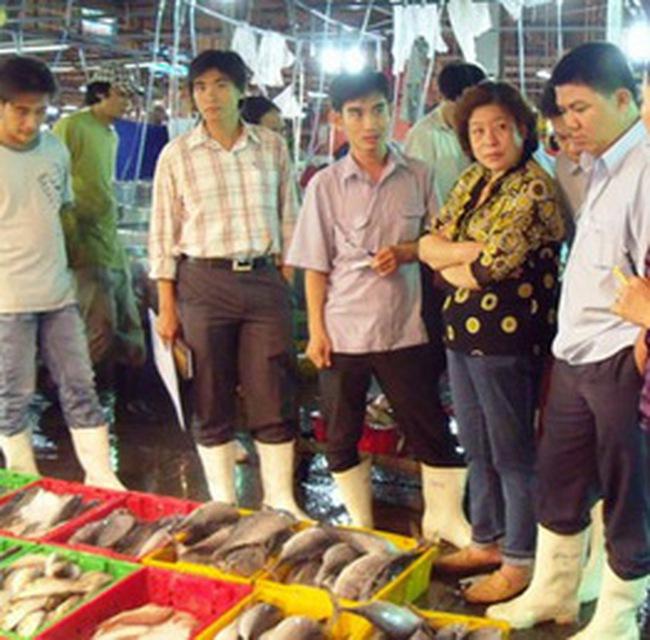 Thanh tra chợ đầu mối thủy sản lớn nhất TPHCM