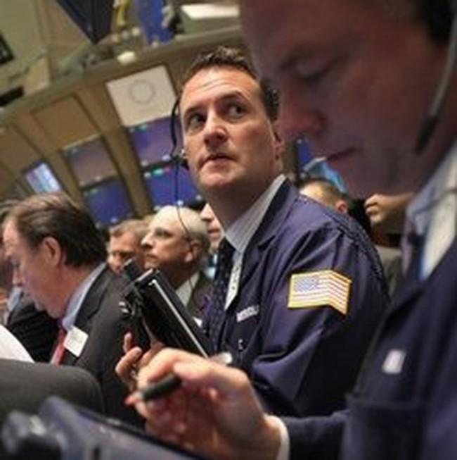 Dow Jones lao dốc trong giờ giao dịch cuối