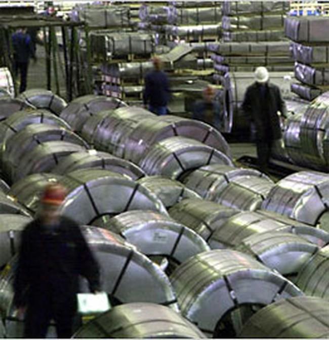 Giá thép giảm xuống 12 triệu đồng/tấn