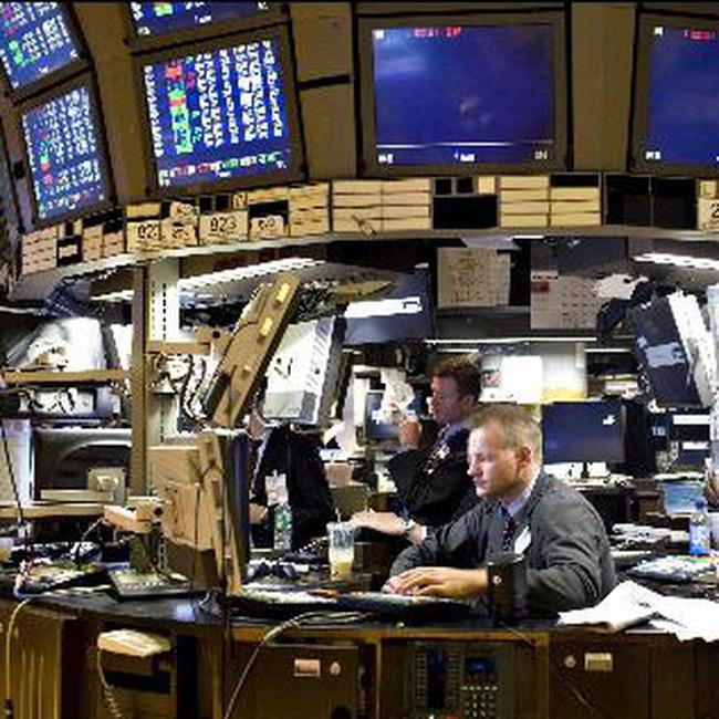 Dow Jones đảo chiều mất điểm trong nửa giờ giao dịch cuối