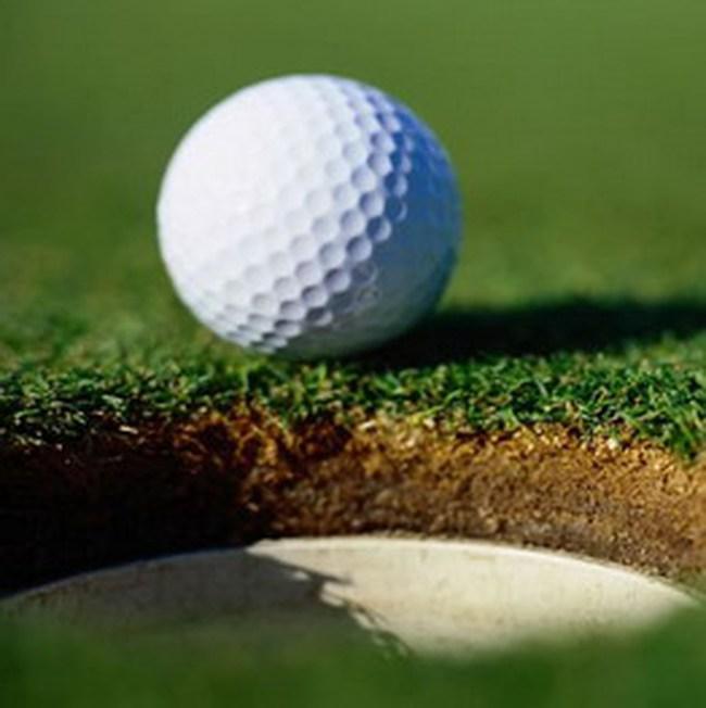 Thắc mắc chuyện đánh thuế sân golf