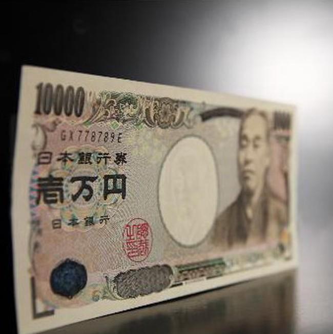 Đồng USD và yên liên tục tăng giá