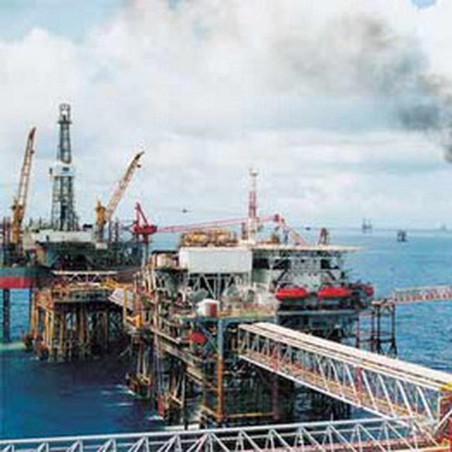 """4 """"đại gia"""" ngành dầu khí trên sàn niêm yết"""